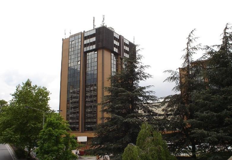 Il palazzo Plaza, sede dell'Ufficio Bilinguismo a Bolzano